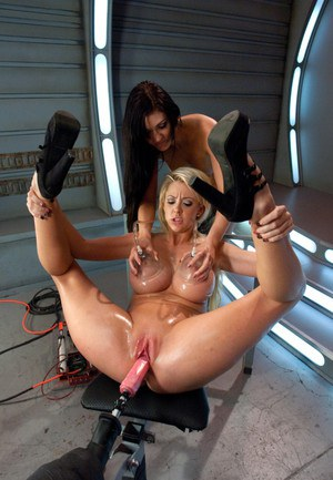 pussy machine porn Teen Uses a Fuck Machine on her Smooth Pussy.