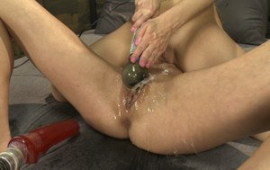 Squirting Pussy Pics