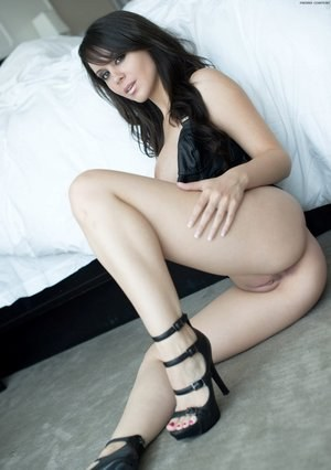 High Heels and Pussy Pics